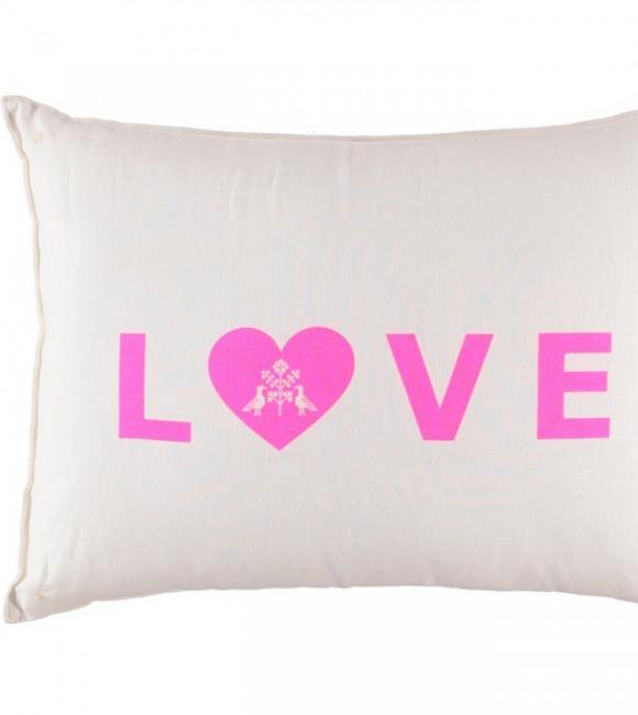 love cushion big